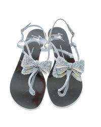 Giuseppe Zanotti - Gray Suede Rock Crystal Embellished Bow Flat Thong Sandals - Lyst