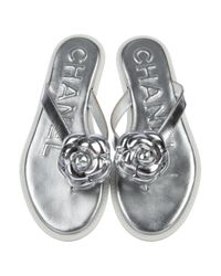Chanel - Metallic Camellia Cc Thong Sandals - Lyst