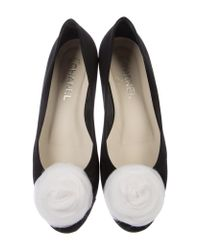 Chanel - Metallic Camellia-adorned Ballet Flats Black - Lyst