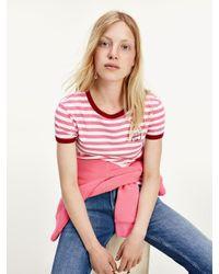 Tommy Hilfiger Gestreept T-shirt Met Geborduurd Logo in het Pink