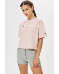 31fdcc73 Champion Cropped Script Logo T-shirt By in Pink - Lyst