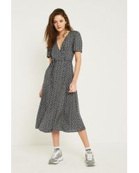 ef224f2eaceb Urban Outfitters Uo Floral Side Button Midi Dress in Blue - Lyst