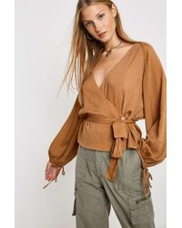 Urban Outfitters Natural Wickelbluse