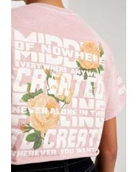 Urban Outfitters Pink Uo Floral Middle Of Nowhere Cropped T-shirt