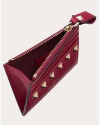 Portacarte Rockstud In Vitello Con Zip di Valentino Garavani in Red