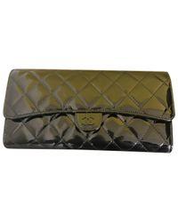 Chanel Black Lackleder Clutches
