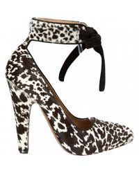 Alaïa White Pony-style Calfskin Heels