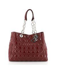 Bolsa de mano en charol rojo Soft Shopping Dior de color Red
