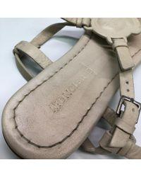 Sandalias en cuero beige Moncler de color Natural