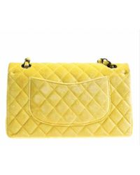 Chanel Yellow Timeless/classique Samt Handtaschen