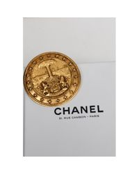 Chanel Metallic Broschen
