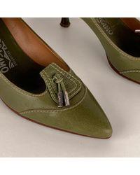 Escarpins \N en Cuir Vert Ferragamo en coloris Green