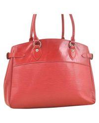 Louis Vuitton Red Passy Leder Handtaschen