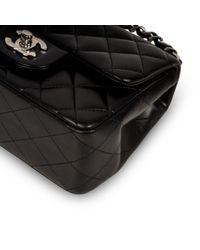 Bolsa de mano en cuero negro Timeless/Classique Chanel de color Black