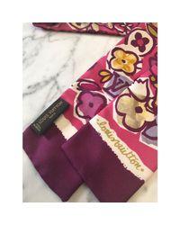 Foulard soie rose Louis Vuitton en coloris Pink