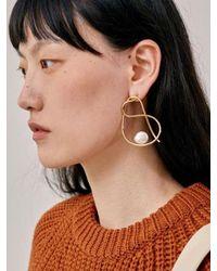 Low Classic - Metallic 17fw Line Pearl Earring - Gold - Lyst