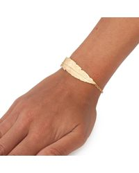 Leivan Kash - Metallic Feather Chain Bracelet Gold - Lyst