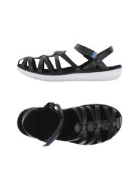 Teva Black Terra Float Stella Lux