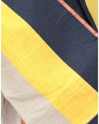 Bermudas Henrik Vibskov de color Yellow