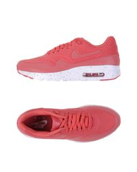 Nike Pink Low-tops & Sneakers for men
