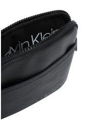 Bolso con bandolera Calvin Klein de hombre de color Black