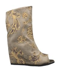 Peter Non Natural Ankle Boots