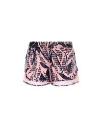 Shorts di Adidas By Stella McCartney in Pink