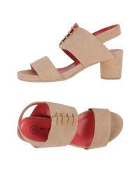Pas De Rouge Natural Sandals