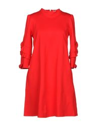 Vestito corto di Brigitte Bardot in Red