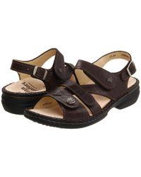 Finn Comfort Natural Gomera - 82562 (kaffee Plissee Light) Women's Sandals