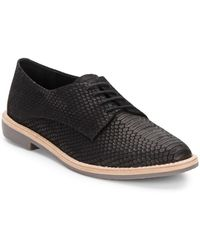 Vince Camuto Nilee Crocodile-embossed Leather Oxfords - Lyst