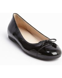 Prada Black Patent Leather Bow Detail Flats - Lyst