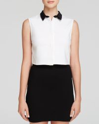 Alice + Olivia Top - Cropped Button Down - Lyst