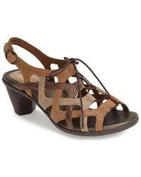 Aravon 'Miranda' Strappy Leather Slingback Sandal - Lyst