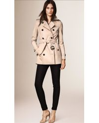 Burberry The Kensington - Short Heritage Trench Coat - Natural