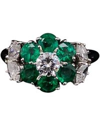Harry Winston Emerald And Diamond Floral Cluster Platinum Engagement Ring - Green