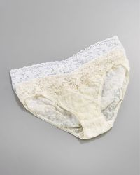 Hanky Panky Signature Lace V-Kini Briefs beige - Lyst
