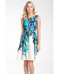 Donna Ricco Sleeveless Floral Print Linen Dress white - Lyst