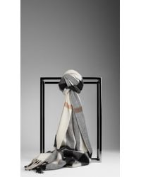 Burberry Check Cashmere Scarf white - Lyst