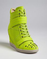 Boutique 9 High Top Wedge Sneakers Nevan - Yellow