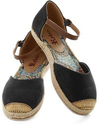 ModCloth Viterbo So Beautiful Flat in Black - Lyst