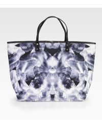 McQ by Alexander McQueen Iris Print Large Tote - Lyst