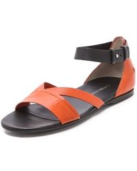 CoSTUME NATIONAL - Fiore Flat Sandals - Lyst