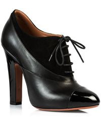 Alaïa Lace Up Heel Shoe - Lyst