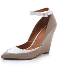 Rachel Roy Avelli Wedge Court Shoes - Natural