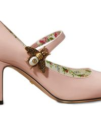 Gucci Patent Leather Pumps With Bee - Pink