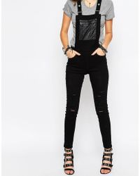 Noisy May Petite - Distressed Dungarees With Leather Look Patch Detail - Lyst