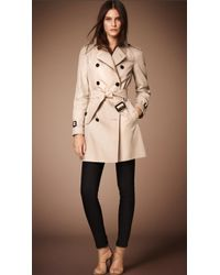 Burberry The Westminster Mid-Length Heritage Trench Coat beige - Lyst