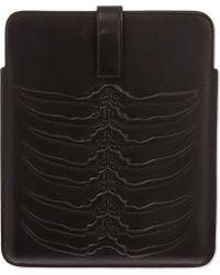 Alexander McQueen Ribcage Leather Ipad Case Aso0o Black - Lyst
