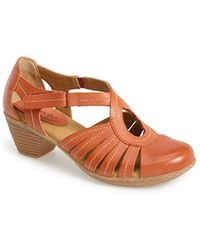 Softspots 'Sally' Leather Sandal - Lyst